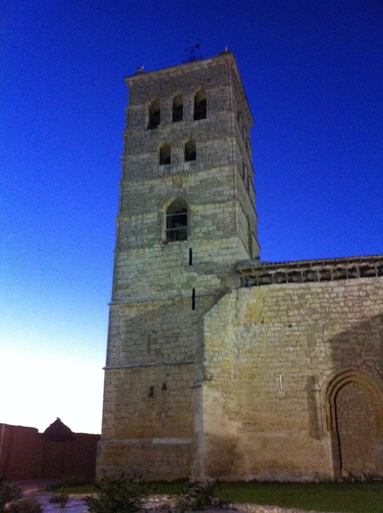 La torre de la Iglesia de Santa María en Torremormojón (Palencia) es la más alta de la provincia